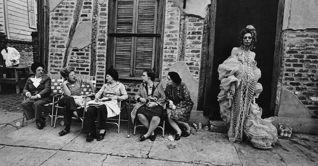 Jill Freedman, Photographer Who Lingered in the Margins, Dies at 79